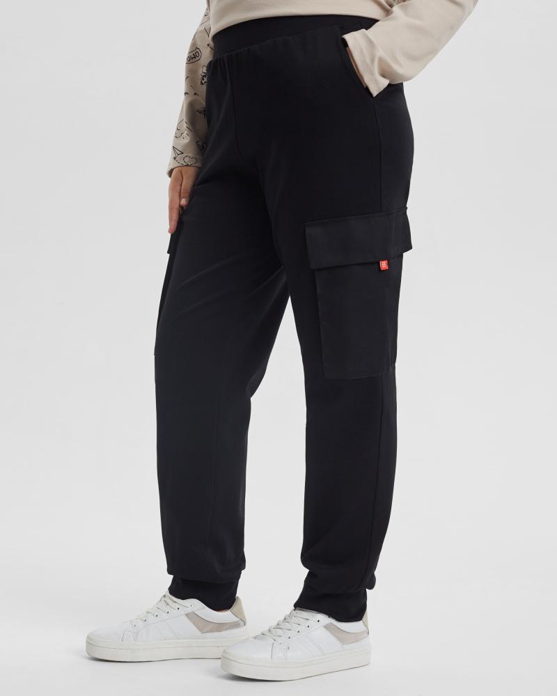 Брюки женские «Джоггеры с карманами» черные Plus size